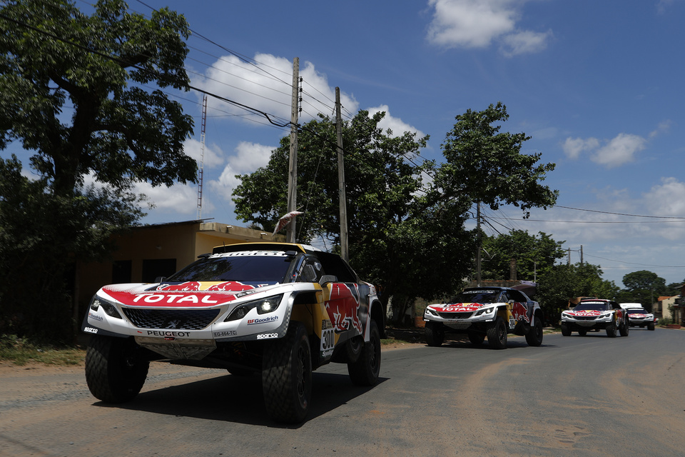 300 PETERHANSEL STEPHANE (fra) COTTRET JEAN PAUL (fra) PEUGEOT TEAM PEUGEOT TOTAL 3008 DKR action during the Dakar 2017 Paraguay Bolivia Argentina , Scrutineering / Vérifications from December  30 to 31 2016 at Asuncion, Paraguay - Photo Florent Gooden / DPPI