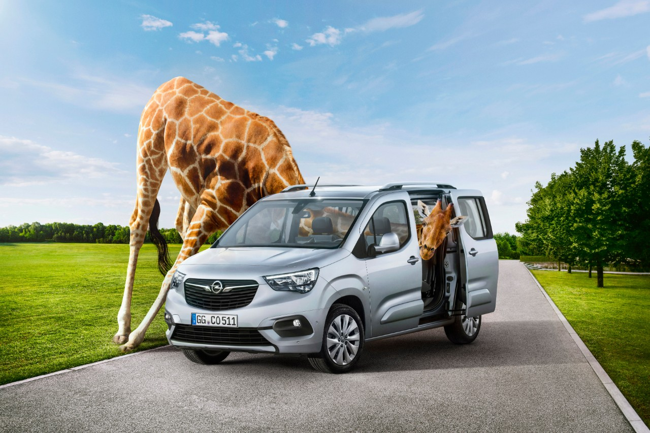 The new Opel Combo Life: More than just a neck ahead of the competition.