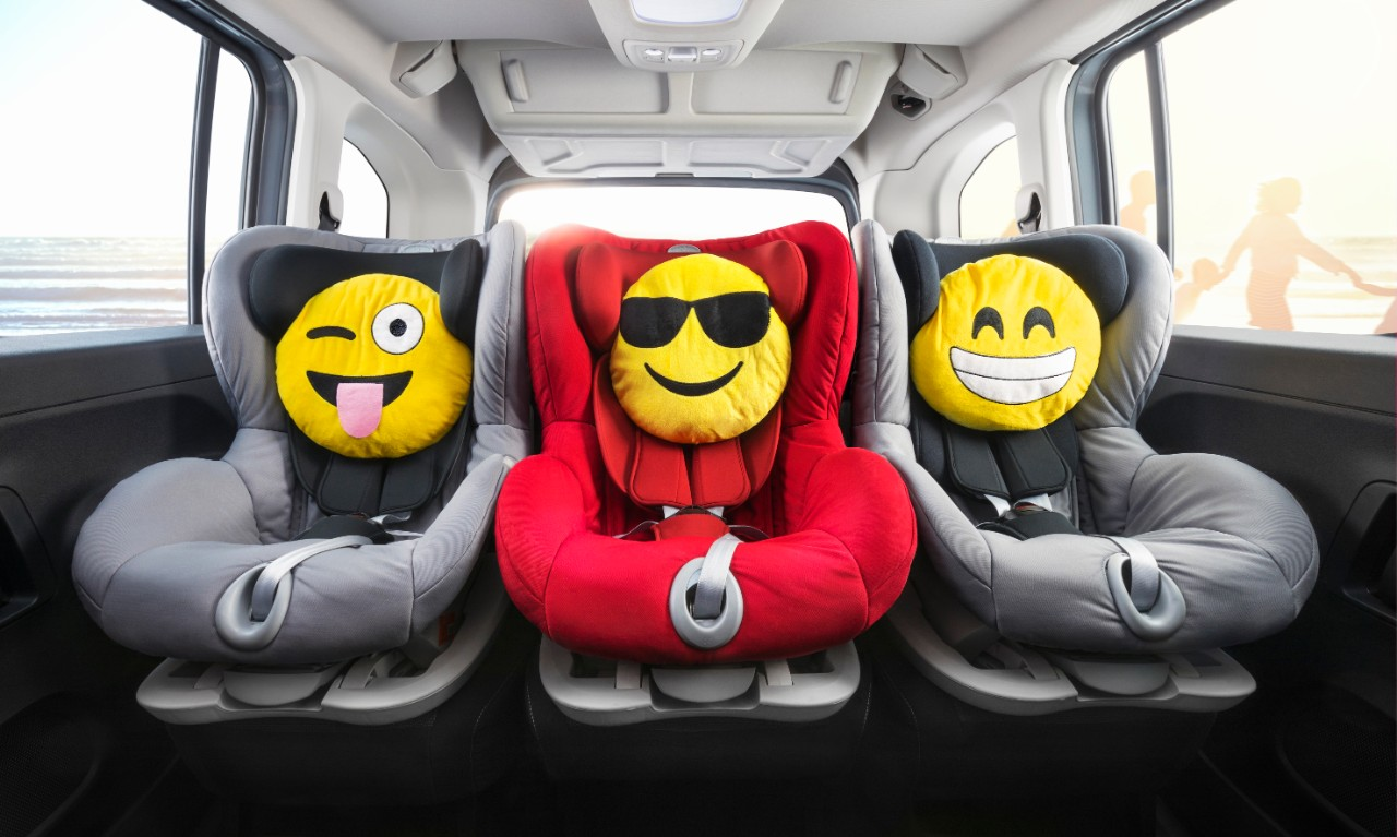 Safe and secure: With each seating position in the second row featuring its own Isofix bracket, the new Opel Combo Life can accommodate the youngest passengers in their child seats in a single row.