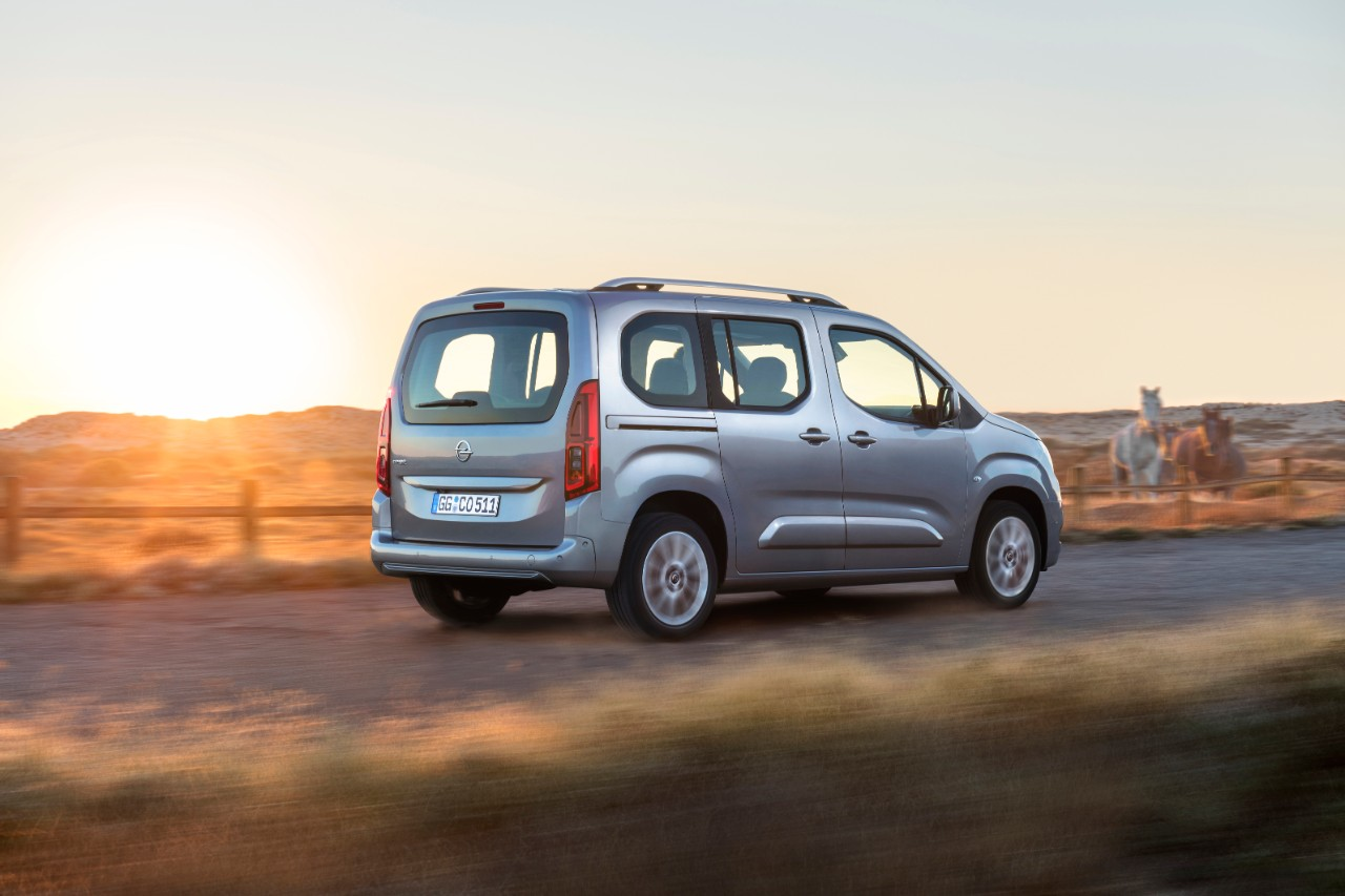 Just right for active-outdoor lifestyles: The new Opel Combo Life is available in short or long versions, with one or two sliding doors and up to seven seats.