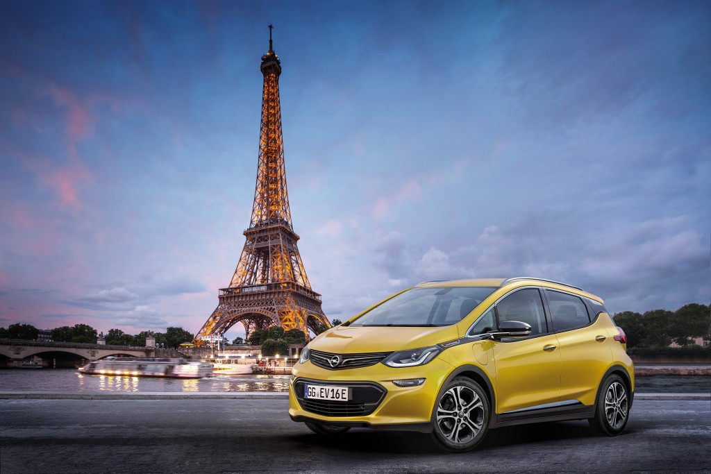 Electrifying: Opel will revolutionize electromobility with the new Ampera-e.